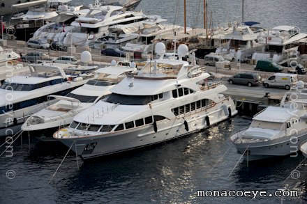 04 Jul 2010 20:49 :Benetti Classic• Name Change. Claudia yacht