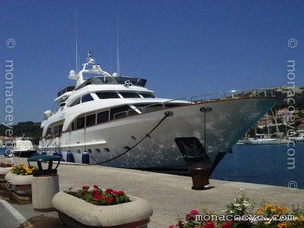 Yacht name: Vila Velebita 3 • Benetti Tradition Length: 30 m. Year: 2004 ?