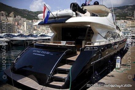 Yacht name: Royal Flush One • Riva 92 Duchessa Length: 92 ft • 28 m