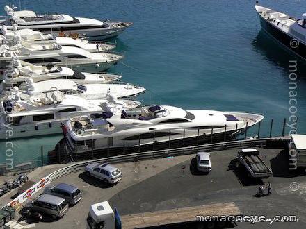 Sunseeker 105 Shereen Yacht name: Shereen Model: Sunseeker 105