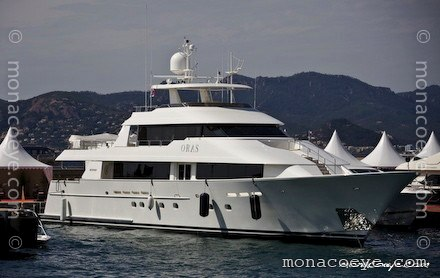 Photo: monacoeye • Cannes Boat Show • September 2008