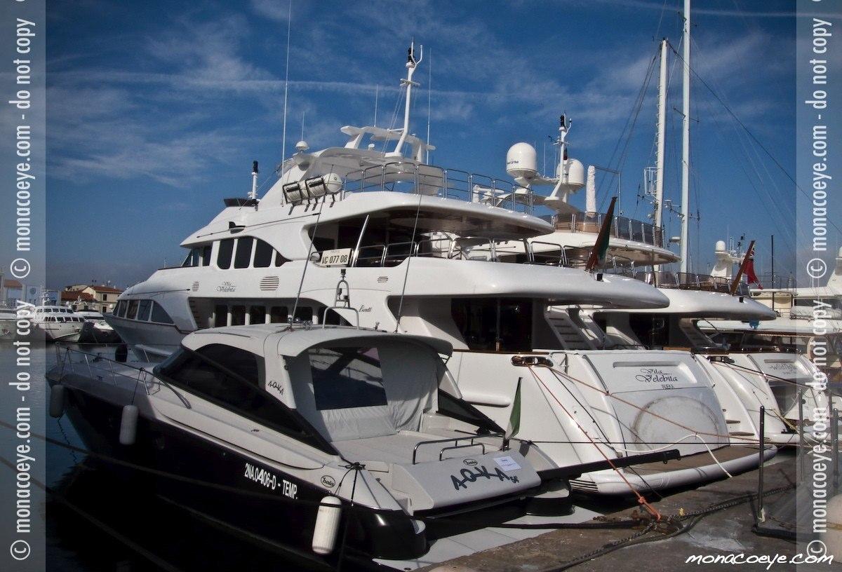 Vila Velebita, yacht