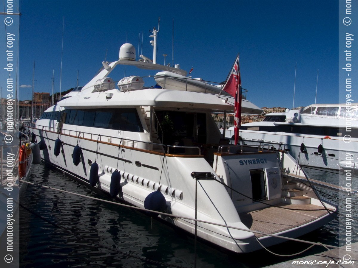 Falcon 100 Synergy, yacht