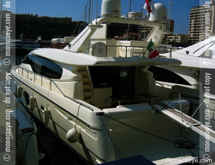 Yacht model: Ferretti 530. Length: 16 m • 53 ft. Builder: Ferretti