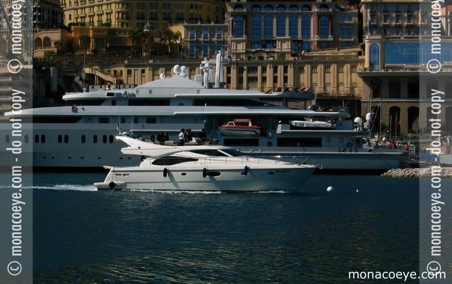 Yacht model: Ferretti 591. Name: Serenity Length: 18 m • 59 ft