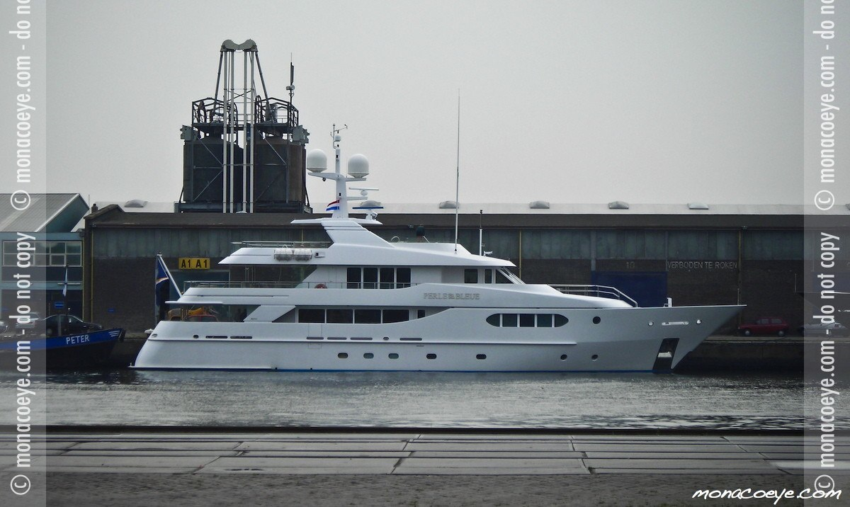 Perle Bleue, yacht
