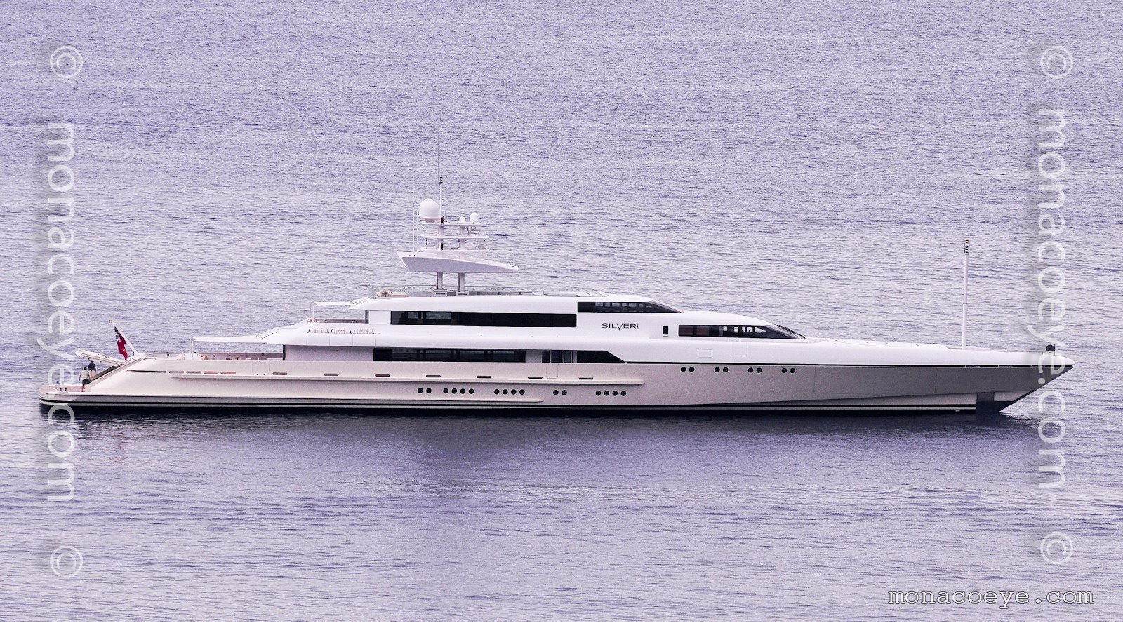 Silver Zwei, 2009 design from Hanseatic Marine and Espen Oeino. At the 2011 Monaco Grand Prix, sister to Rabdan.