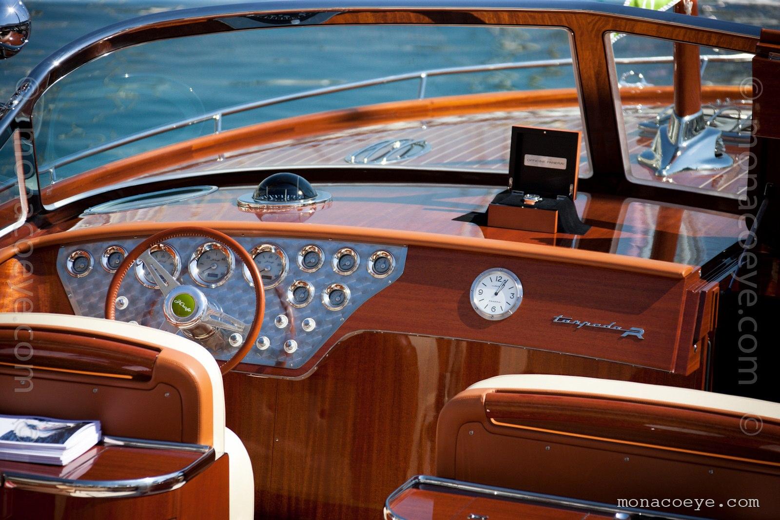 Monaco Yacht Show 2010 - J Craft Torpedo R dashboard