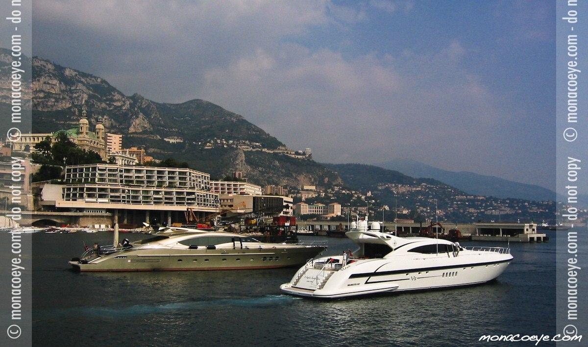DB9, yacht