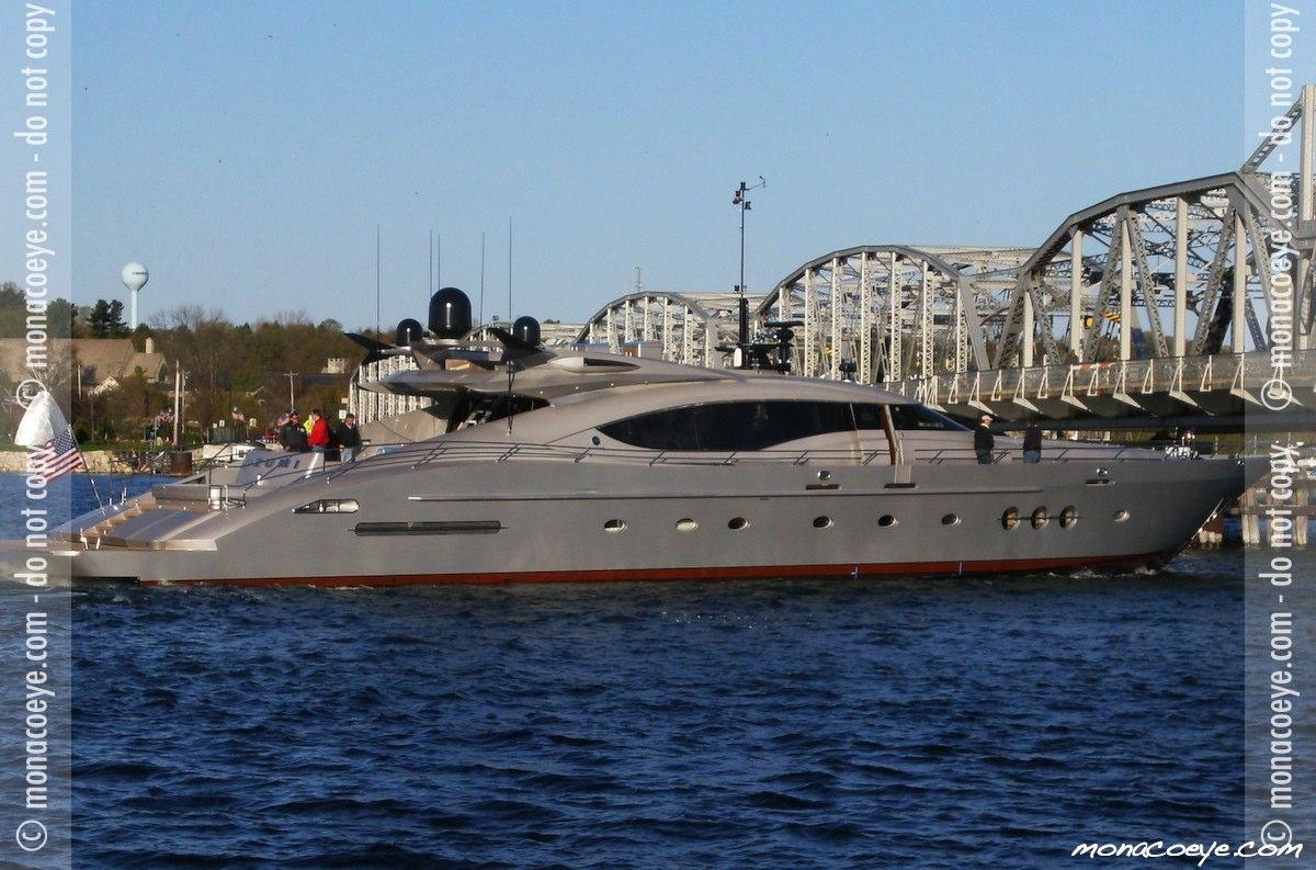 Izumi, yacht